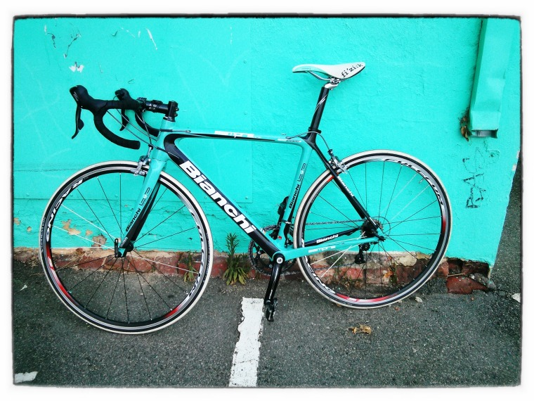 And here is the Sempre Pro camouflaged against the shop's celeste wall.